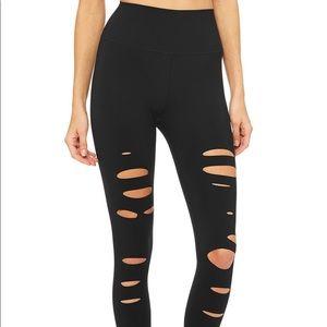 Alo yoga black ripped warrior leggings 7/8 size xs